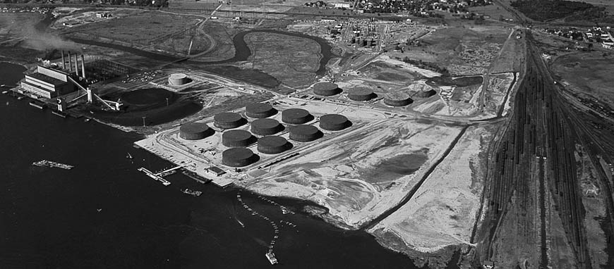 Hess Oil Refinery in Port Reading, NJ, 1957